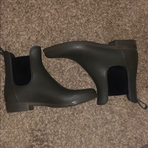 Army Green Rainboots Size 7